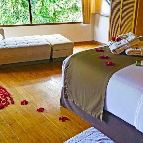 slider-collage-honeymoon-bungalow1.jpg